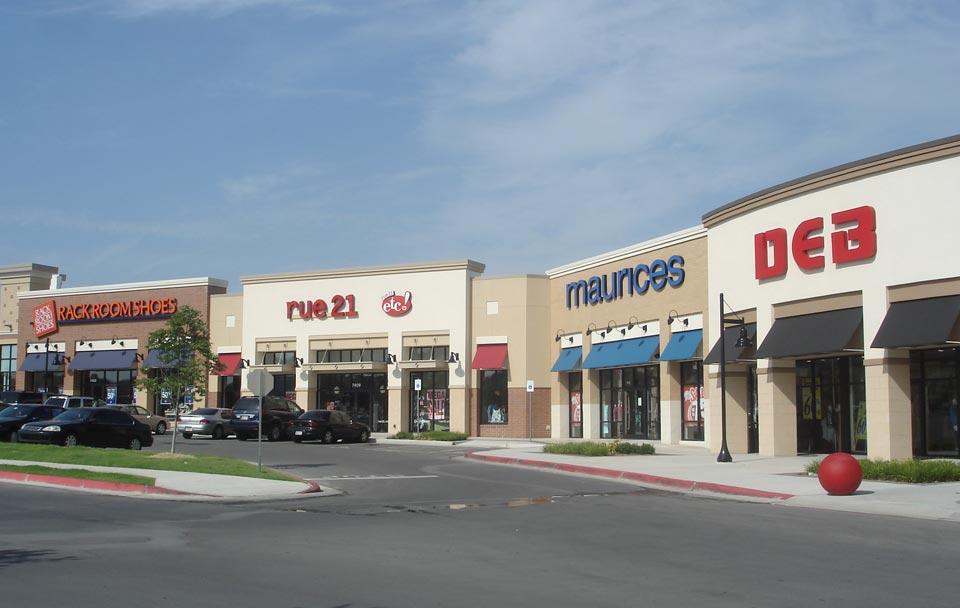 Tulsa hills shopping center paris projects for Lg store paris